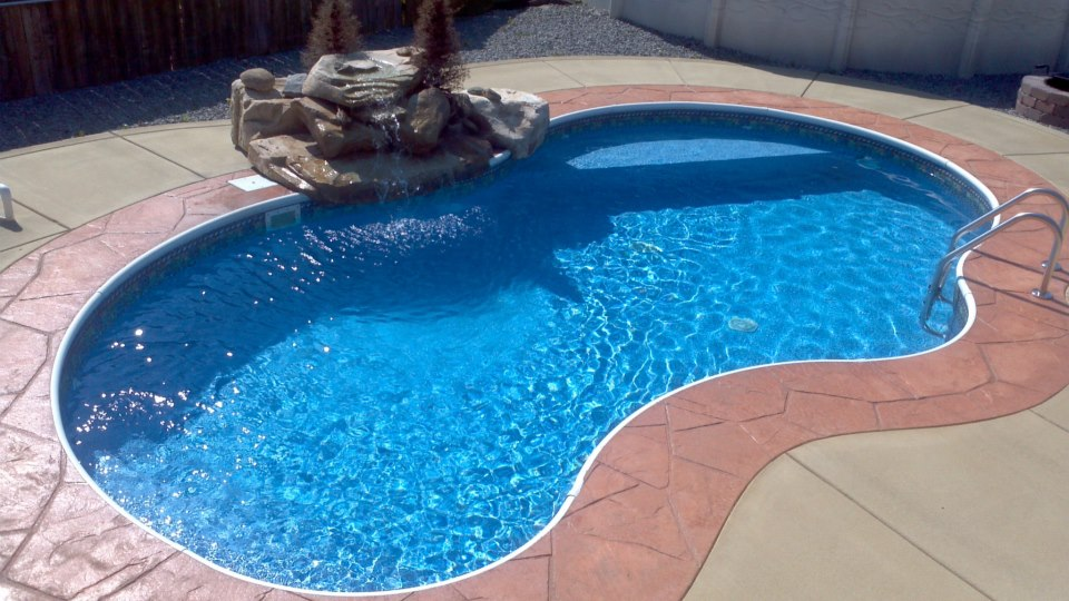 Sango pool spa the backyard place clarksville tn for Spas that come to your house